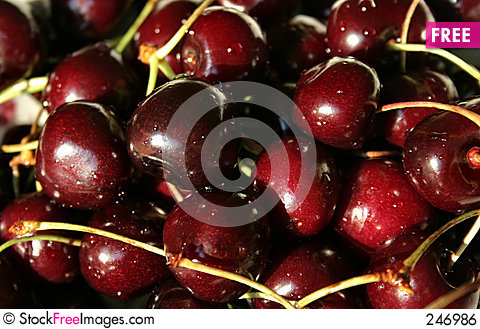 Free WET CHERRIES Royalty Free Stock Image - 246986