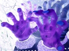 Free Spooky Hands Royalty Free Stock Images - 246449