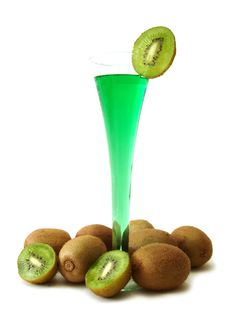 Free Green Cocktail With Kiwi Royalty Free Stock Images - 2401749