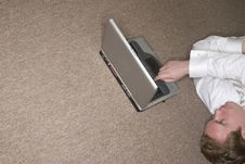 Free Businessman Using Laptop Stock Photography - 2406242