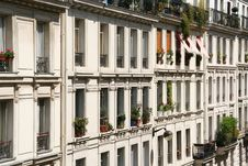 Free Paris Apartments Royalty Free Stock Photography - 2408137