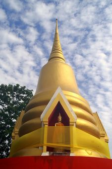 Free Golden Pagoda At Thailand Royalty Free Stock Photo - 2409895