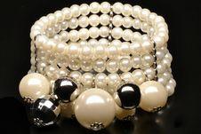 Free Pearlsbracelet Stock Images - 24004854