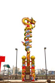 Free Chinese Dragon Statue Royalty Free Stock Image - 24008746