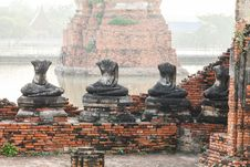 Buddha Statues And Floods Royalty Free Stock Photo