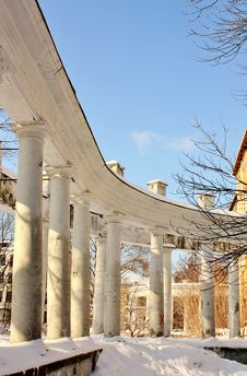 Free Colonnade Of The Old Manor Stock Photography - 24013852