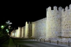 Free Fortress Wall In Avila At Night Royalty Free Stock Images - 24015399