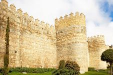 Free Tower Of Fortress Wall In Avila Royalty Free Stock Photo - 24015405
