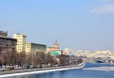 Free Moscow River In The Spring Royalty Free Stock Images - 24016359