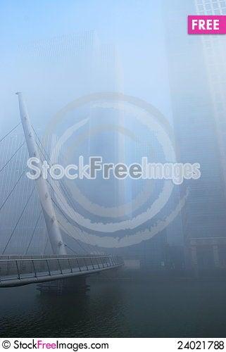 Free Foggy Canary Wharf And South Quay Footbridge Royalty Free Stock Photos - 24021788