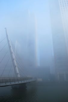 Free Foggy Canary Wharf And South Quay Footbridge Royalty Free Stock Photos - 24021788