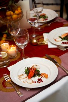 Free Plate Of Food During A Wedding Royalty Free Stock Photos - 24025508