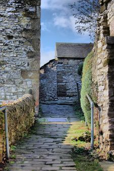 Free Alleyway Through Stone Built Buildings Stock Photography - 24050532
