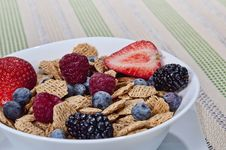Free Cereal Bowl Royalty Free Stock Photography - 24051707
