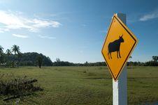 Free Animal Warning Sign Royalty Free Stock Photo - 24099545