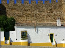 Free Yellow House Royalty Free Stock Photos - 2410068