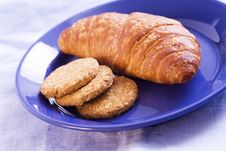 Free Croissant And Biscuit Royalty Free Stock Photography - 2413007