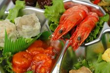 Free Shrimp Tray Detail Stock Photography - 2414222
