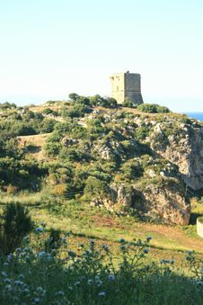Free Hilltop Ancient Normand Tower Royalty Free Stock Image - 2414526