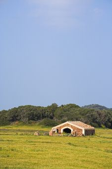 Free Old Stable In A Field Stock Photography - 2416682
