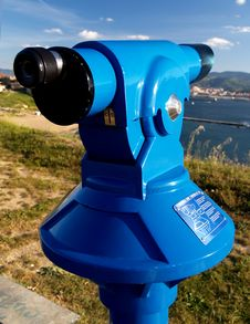Free Coin Operated Blue Telescope Royalty Free Stock Image - 2417396