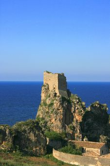 Free One Ancient Tower Ruin. Sea Stock Photography - 2419962