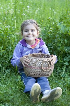 Free Little Girl With Basket On Grass Stock Images - 24103404