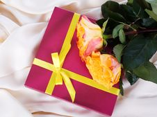 Free Gift And Flowers Royalty Free Stock Images - 24113859