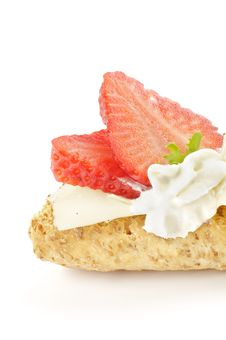 Free CrispBread Sandwich With Cheese And Strawberry Stock Photo - 24139880
