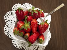 Free Fresh Strawbwrries Royalty Free Stock Images - 24141259