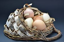 Free Fresh Organic Eggs Centerpiece Stock Image - 24148681