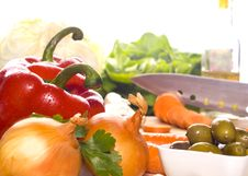 Free Preparation Of Fresh Vegetables Royalty Free Stock Images - 24154919
