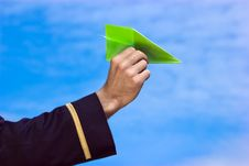 Free Paper Plane In Hand Royalty Free Stock Photography - 24167977