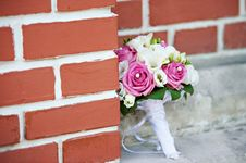 Free Wedding Bouquet Of Roses Royalty Free Stock Photography - 24184047