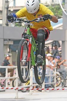 Free Mountain Bike Trick Royalty Free Stock Image - 2422406