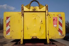 Free Yellow Container Stock Photography - 2427072