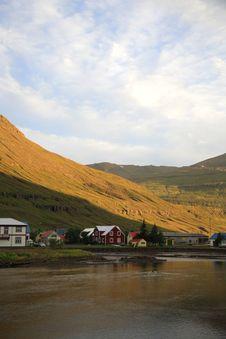 Free Village Of Seydisfjordur Royalty Free Stock Image - 2427126