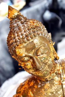 Free Gold Buddhist Statue Royalty Free Stock Images - 2428539
