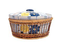 Free Blue And Yellow Saucepan Stock Image - 2428891
