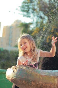 Free Girl Near The Fountain Stock Photos - 24218743