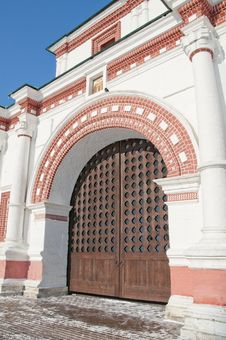Free Front Gates In Kolomenskoe Stock Photo - 24224660
