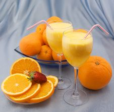 Free Two Crystal Glass Of Squeezed Orange Juice Royalty Free Stock Images - 24234199