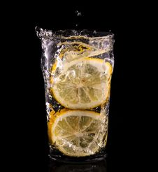 Free Lemon Splash Royalty Free Stock Images - 24239019