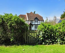 Free Timber Framed English Rural Cottage Royalty Free Stock Image - 24246436