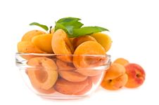 Free Halves Apricot In A Dish Stock Photo - 24250040