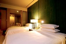 Free Bedroom Hotel Royalty Free Stock Photo - 24253635