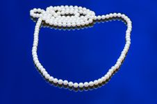 Neklace Of White Pearl Royalty Free Stock Photo