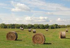 Free Hay Bales Stock Images - 24259274