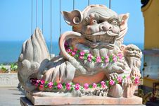 Free Lion Statue In The Temple Royalty Free Stock Photography - 24291287