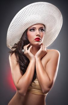 Free Beautiful European Girl With Hat In Studio Royalty Free Stock Image - 24299276